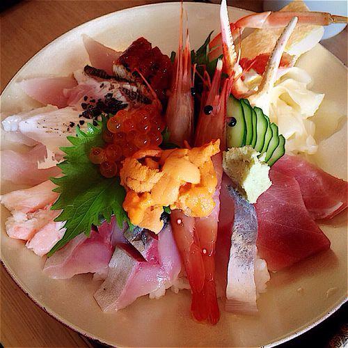 どんと屋❤︎ 今ははまぐり汁も頂ける❤︎ Japan Fukui Japanese Food Japaneserestaurant Seafoods Fresh Don Fish Yammy!!  福井 海鮮丼 Sashimi Bowl