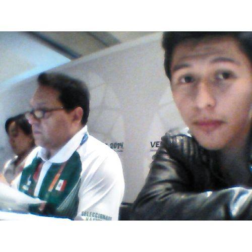 Entregando Asudelegacion Mexico Masdemil acreditaciones carloscisneros