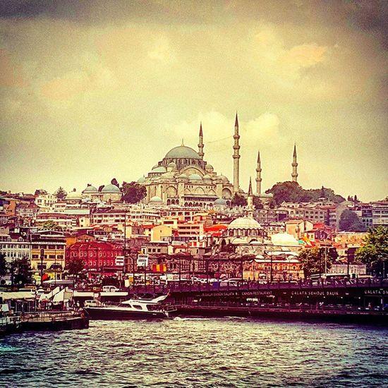 Istanbul Camiler Aşkı Arşivden huzur hayatandanibarettir havalar yağmur galata köprüinstagram instagramtürkiye