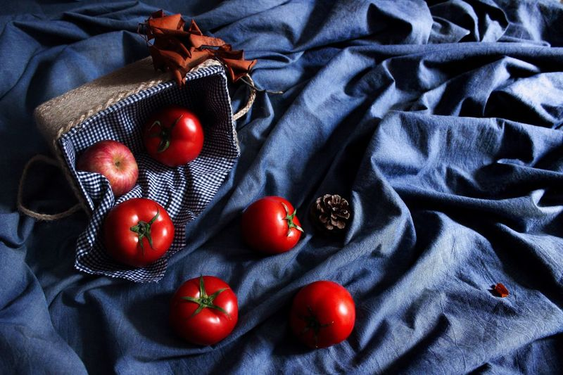 Art Bu le Indoors  Still Life Textile High Angle View Fabric No People Freshness Tomato Food Healthy Eating first eyeem photo