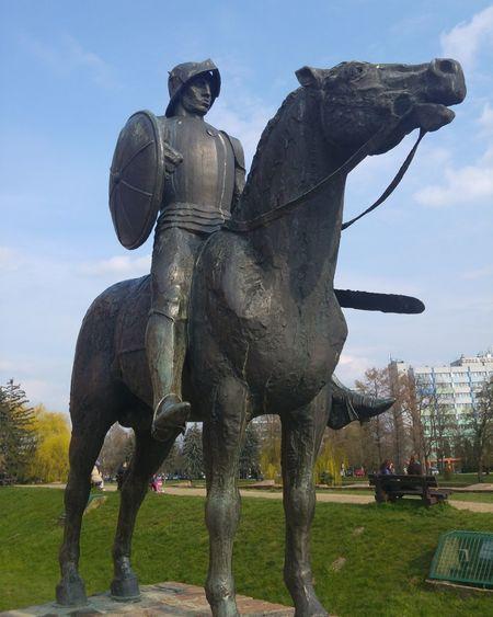 Gyula Statue Lg G5 Hungary