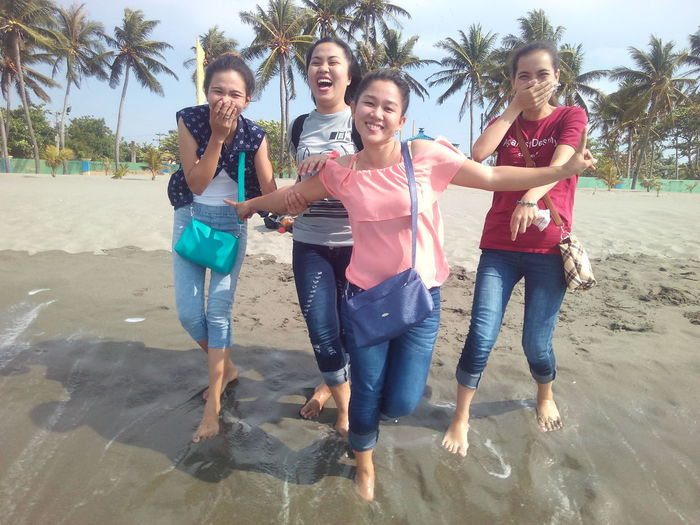 Laughter is the best medicine. Spending time with happy people is the most important thing I have in my life. Summer Friendship Beach Fun Girls Water Outdoors Togetherness Child Childhood Boys People Full Length Day Females Wet Leisure Activity Children Only Standing Adult