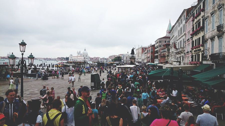 Crowd City Men Cityscape Sky Architecture Crowded TOWNSCAPE