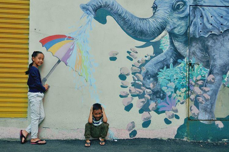 Friendship Childhood Togetherness Portrait Artist Boys Mural Painter - Artist