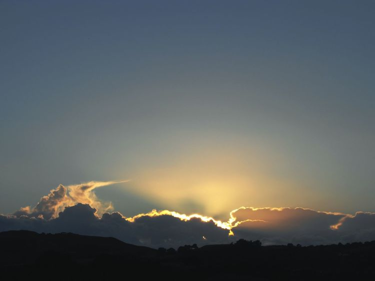 ... Glow ... Dramatic Sky Outdoors Thunderstorm Beauty In Nature Sky Nature No People Thunder Clouds Summer Skies Sunset Evening Cumulusnimbus Wales Trees Hilltop Dramatic Empty Space Ciel Cielo Y Nubes  небо вечер облака