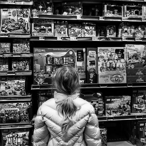 Nightmare of Parents the Toys Department 😬 Lesulis IleDeFrance France Photooftheday Supermarket Lifestyles Choice Store Outofthephone Iphoneonly Iphonephotography IPhoneography Mobilephotography Blackandwhite Bnw Bnwmood EyeEm IPhoneography Moment Iphonographie Snapseed Children