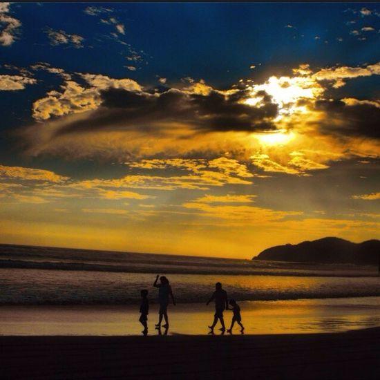 ???Silencios del alma, diques que se rompen, gotas de mar que quedan atrapadas, soles y lluvias añoradas, vaivenes y olas y alas?????? Shootermag EyeEm Best Shots EyeEm Nature Lover Landscape
