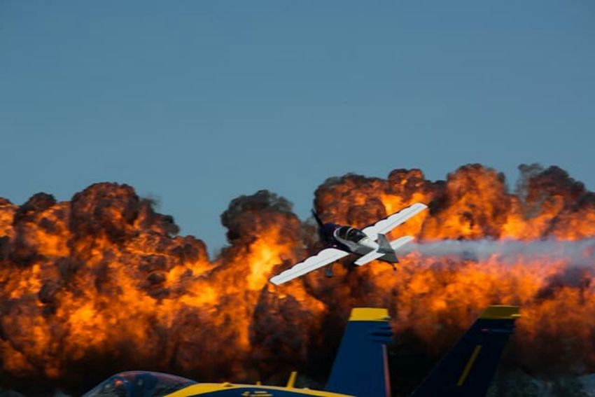 Airshow, Airplane, Dramatic, Explosion, capture the moment. Capture The Moment