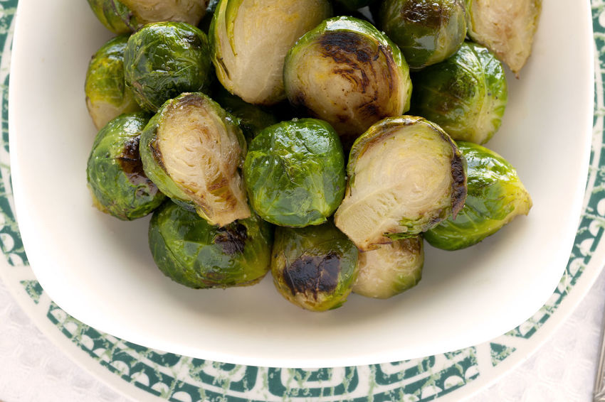 Roasted Brussels Sprouts bowl. CloseUp. Green Green Color Roasted Brussel Sprouts! Vegetarian Vegetarian Food Braised Brussels Sprout Cruciferous Food Food And Drink Freshness Healthy Eating Healthy Lifestyle No People Roasted Studio Photography Vegan Vegan Food Vegetable