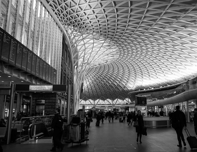 Architecture Architecture Black And White Blackandwhite Built Structure Day Design Indoors  Large Group Of People Modern People Real People Sony SONY A7ii Station Travel EyeEm LOST IN London