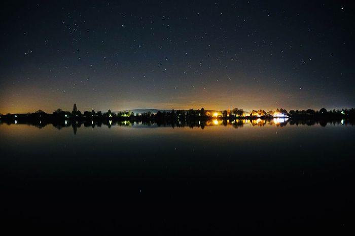 Sterne am Boden EyeEmNewHere Night Illuminated Sky Reflection Tranquil Scene Scenics Water Lake