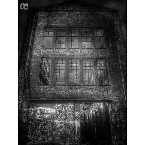 Creepywindowsunday Eto_okno
