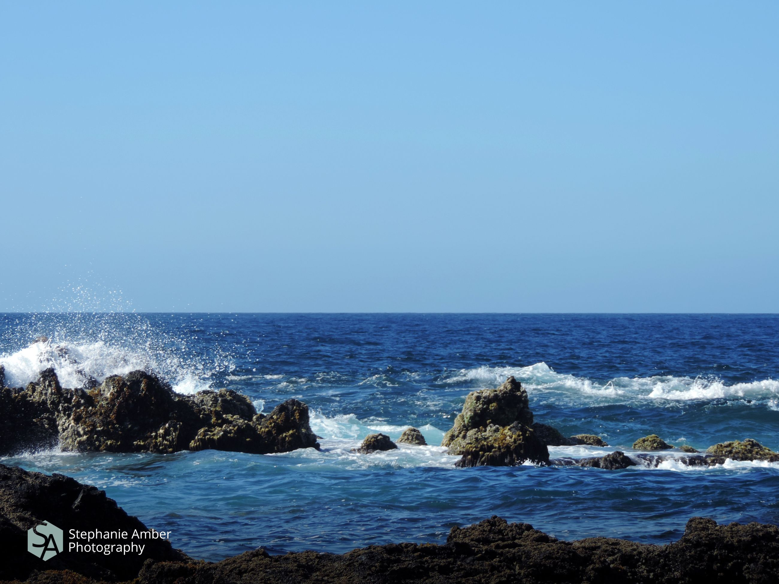 sea, water, horizon over water, horizon, sky, scenics - nature, beauty in nature, rock, solid, clear sky, rock - object, wave, land, beach, motion, nature, copy space, sport, day, no people, outdoors, power in nature, breaking, rocky coastline