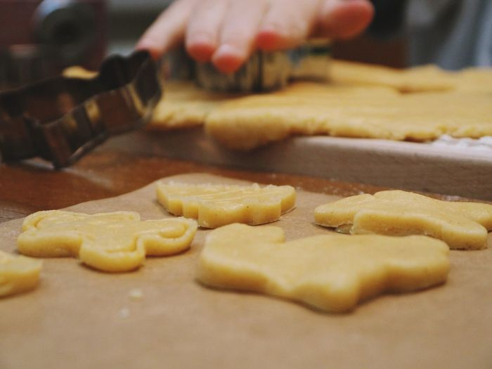 Food Food And Drink Preparation  Dough Hand Human Hand Freshness Preparing Food Human Body Part One Person Baked Indoors  Close-up Cookie Selective Focus Sweet Food Table Real People Making Baking Sheet Finger Baked Pastry Item