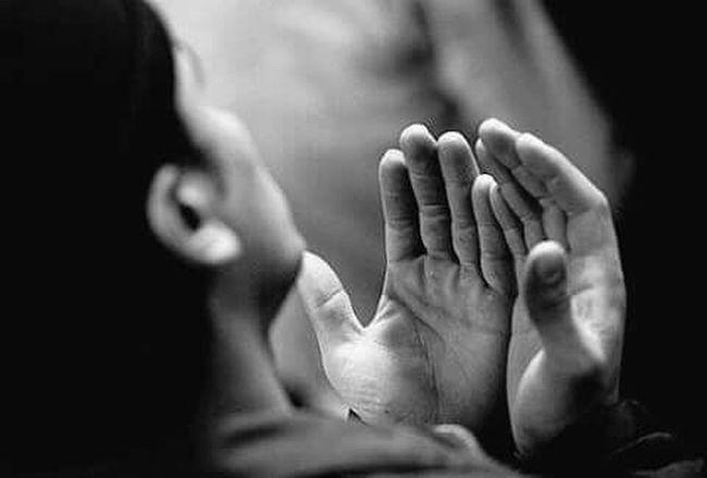 اليوم اخر خميس من هذا العام 🍇🍃🍇 لكم مني أخلص الدعاء بأن يدفع الله عنكم البلاء والشقاء 🍇🍃🍇 وأن يحييكم حياة السعداء وأن تملأ حسناتكم مابين الأرض والسماء 🍇🍃🍇 وان يغفر لكم و لوالديكم ومن تحبون يارب 🍒َالتّواصُلْ تَاجْ الـكُرَمَــاءْ.. وَالصّدْقْ جُوهَرْ العُظَمَــاءْ.🍒 وَالحّبْ هَدِيَــةْ رَبْ السّمَــاءْ.. رَبّــي إِحْفَظْ أَحِبَتِي.. وَأَدِم ْعَلَيْهِمْ نِعْمَةَ الصّحَةَ والعافيه 🈲جمعة🎀❤مبارك🌺❤ 🈲  .•°``°•.¸.•°``°•. ((((هديه خاصه))))) `•.¸ للغالين ¸.•`