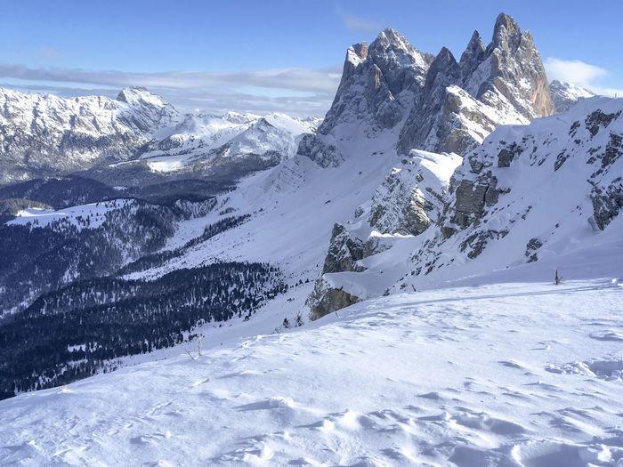 Snowcapped mountains, gruppo delle odle in the dolomites, trentino, alto adige in winter