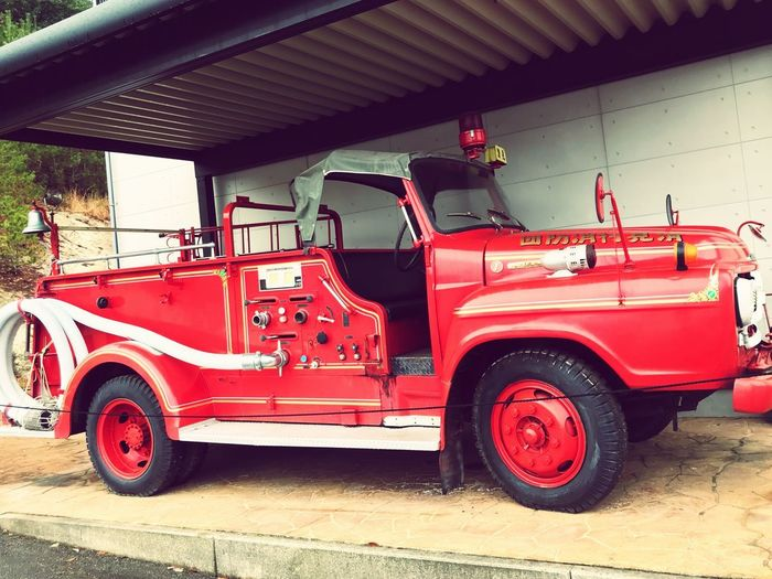 Fire engine Old type Old Car Mode Of Transportation Land Vehicle Transportation Red Motor Vehicle Architecture Day Outdoors Fire Engine City Truck Built Structure Street Car Road