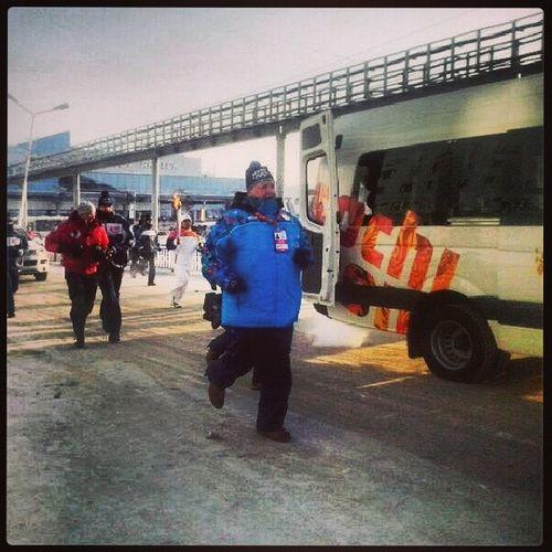 отогреем даже  олимпийскийогонь  сочи2014 Sochi2014 отогрев разогрев 728728 авто якутск факел огонь