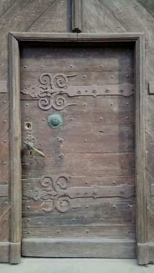 Wood - Material Backgrounds Textured  Rusty Full Frame Close-up Architecture Building Exterior Built Structure Weathered Bad Condition Closed Door