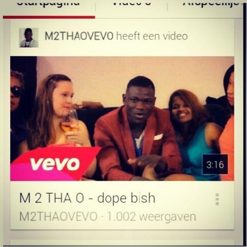 Het is eindelijk zo ver ! De 1000views is er ! Dus Greenlight kom Vandaag ! Thanks to my Fans : m2thaovevo Liberia african_we_be africaonline fijne maandag !