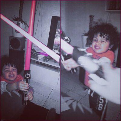 Mon jeune Padawan Aaron-sean Skywalker a voulu test la force de sont maître... En Instantané Instagram starwars game '''