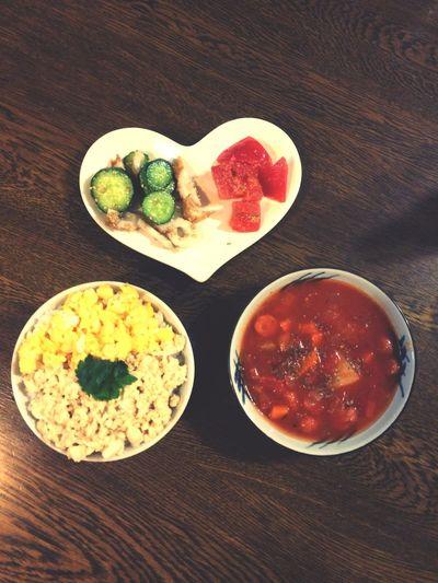 ちくわときゅうりのごまサラダ トマトの砂糖醤油和え 味噌豆腐と卵のそぼろ丼 ミネストローネ Peromeshi Cooking