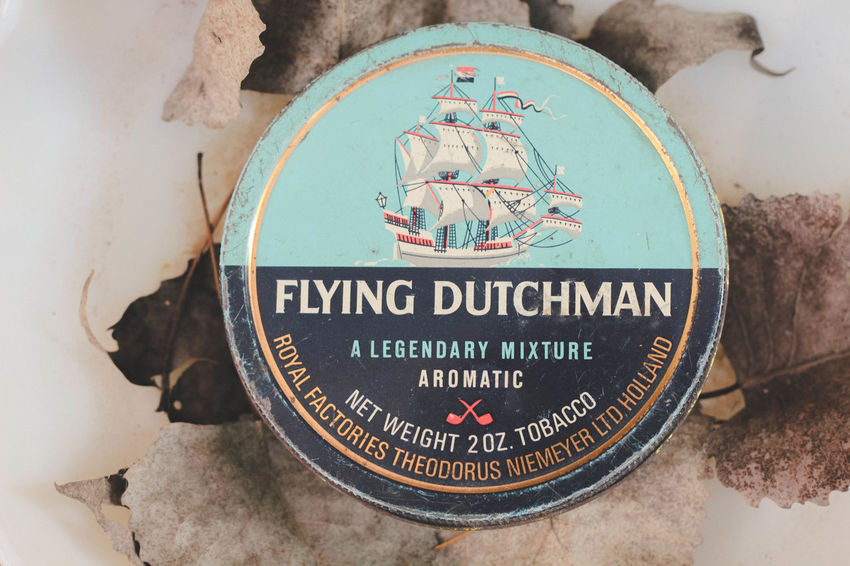 From my vintage tobacco tin collection. Close-up Flying Dutchman Leisure Activity Soft Taking Photos Tobacco Tobacco Tins Today's Hot Look Vintage Vintage Tin Vintage Tobacco Lieblingsteil