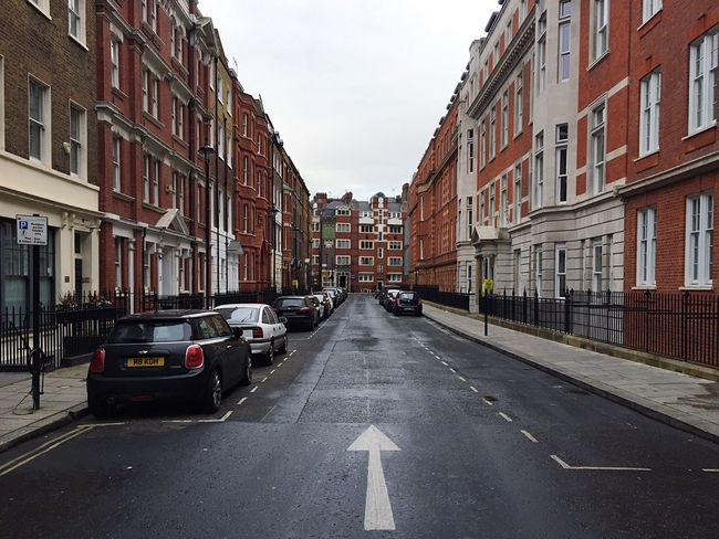 London Chelsea Building Exterior Street Architecture Transportation Built Structure City Road Outdoors No People Day Sky Brexit One Way Sign British London Streets