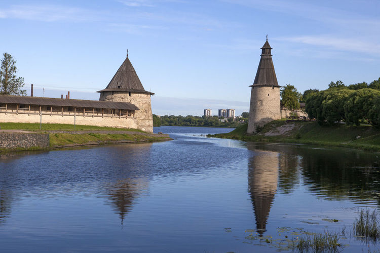 Ancient Two Towers Ancient Towers Architecture Built Structure Reflection River Round Towers Towers On River