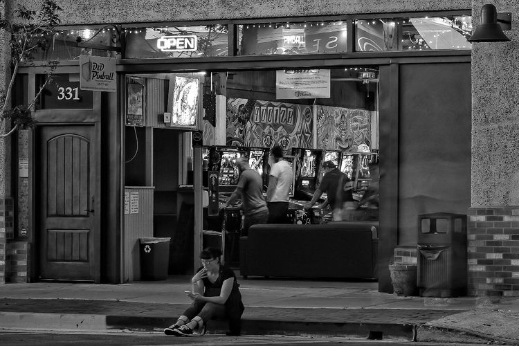 Www.danddpinball.com Pinball Monochrome Streetphotography Arizona 4th Avenue Smoking Photography City Of Tucson Capture The Moment D & D Pinball 331