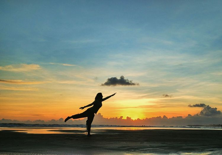 You're my 🌞 43 Golden Moments Enjoying Life The Essence Of Summer Landscape Beautiful Nature Travel Wonderful Indonesia Adventure Life Girl Sunset Sky Yoga Pose Bali Beach Silhouette