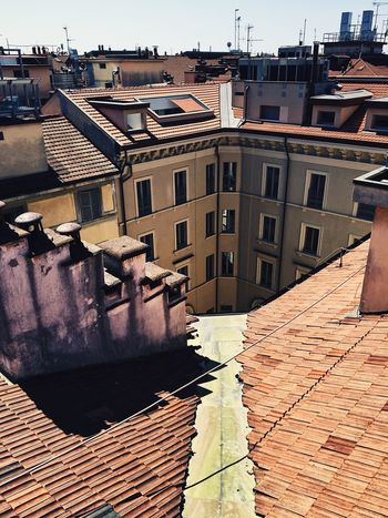 Architecture Building Exterior Built Structure Day Outdoors Water No People Sky City TheWeekOnEyeEM IPhoneography Highline Galleria Milano Roof