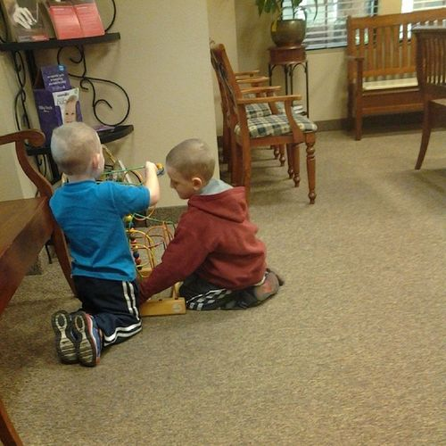 These two adorable little boys are driving me crazy!!! O_O AHHHHH!!! Can't wait to go! Crazykids Noisemakers