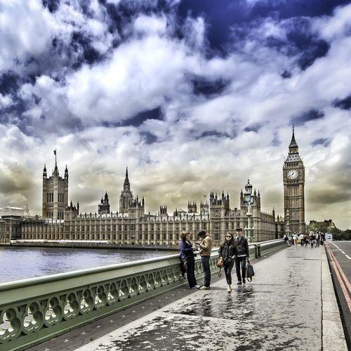 London Taking Photos Bigben Westminster