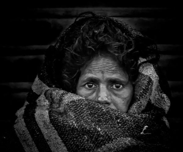 Blanket Close-up Eye Gunbir Headshot Human Face Portrait Selective Focus Winter Winter Morning Women