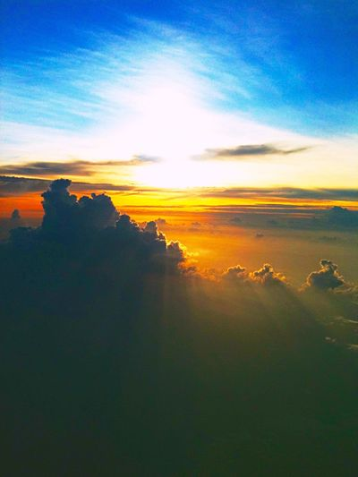 Above The Clouds Sunset Clouds And Sky Cloudporn Sky Vividmoments