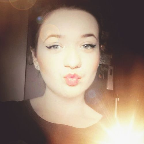 Polishgirl Kiss Goodnight FOLLOE ME-I Follow Back Likeforlike Eyelines Pinklipstick Happy :) Selfie ✌ <3