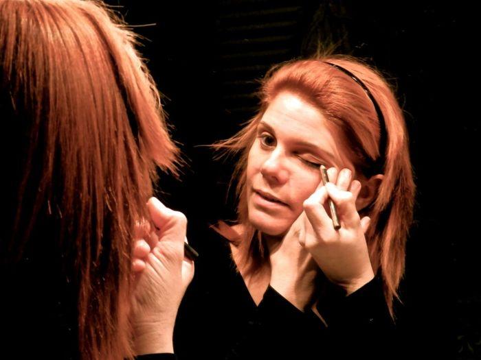 Maquillandose