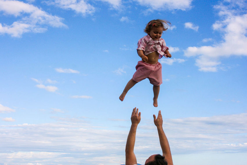 Air Daddy Daughter Time Daddy's Girl Daddyslittlegirl Father And Daughter Fatherhood Moments Fatherhood Moments By September 8 2016 Flying High Sky Fatherhood  #FREIHEITBERLIN