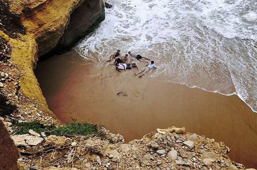 Beach Picnic Manora Karachi Beach Picnic Manora Highlife WonderfulSunday Ghalibhasnainphotography Ghalibhasnain Karachi Beautifulpakistan Pakistan Beaches Seaside