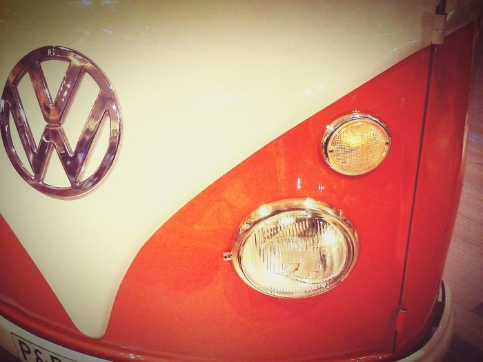 La vida es chula...jaja.... VW Furgo Hippie Naranja Orange Classic Car Vintage Oldie Car