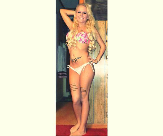 Bikini👙 Girls With Tattoos Bikini Time❤ Im Not Perfect But Im Worth It ❤ Tattoos Tattoomodels Tattooedwomen Tatted Up Tattoo ❤ Curly Hair Don't Care