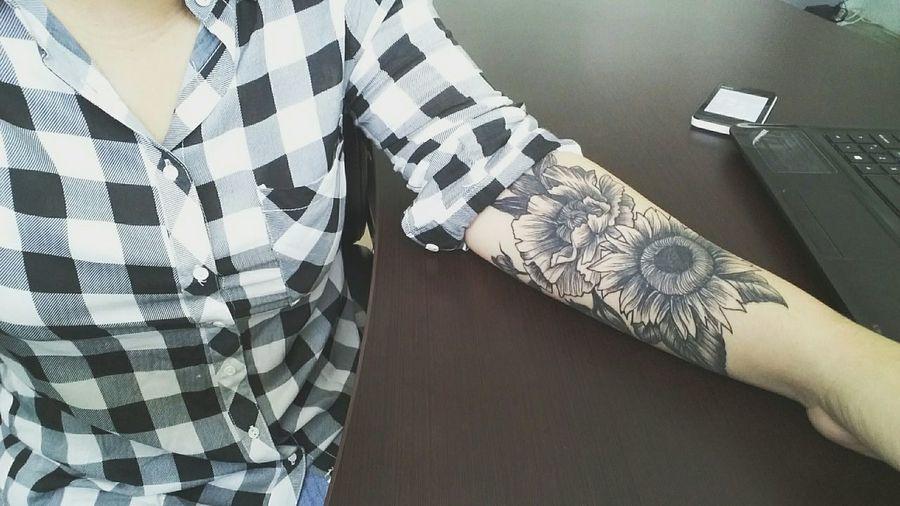 Blackandwhitetattoo Nextlevel Blackandwhite Tattoo Flowerporn Flowertattoo Inlove Sorrynottosorry