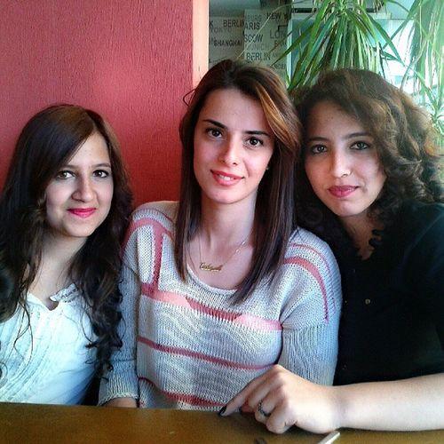 Canlarım Sisters Happy Friendstogether friends forever friendship girls atthecafe suchagoodday meetingatthecafe cute instapic instafoto