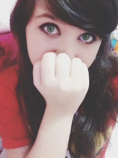 Brazzang Cute Girl Eyes