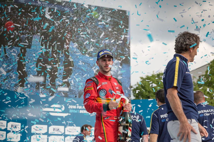 German racing driver Daniel Abt at the E-Prix FIA Formula E race car Championship Award Ceremony. At his side, French former racing driver Alain Prost Alain Prost Award Ceremony Daniel Abt Formula E Formula E 2016 Racing E-prix Formula E 2016 Formula E Racing Formulae Motor Racing Pilot Race Race Car Race Driver Racing Drivers Sport Racing Winner