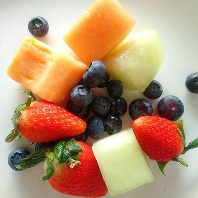 Fresh fruits Freshfruit Breakfast Melon Honeydew Strawberry Blueberry 愛曼達