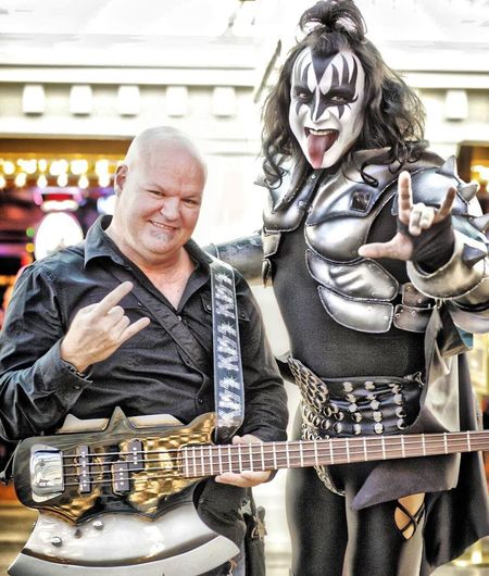 Me and my friend in Las Vegas Las Vegas Kiss Celebrity Sighting Bass Guitar BassPlayerMag Bass Player Enjoying Life Eye4photography  Muscian Life