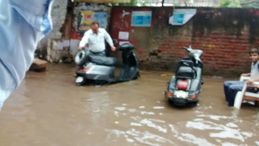 India Flooded Floodwaters Road Water Water On Road Delhi Road Drainage Failed Water