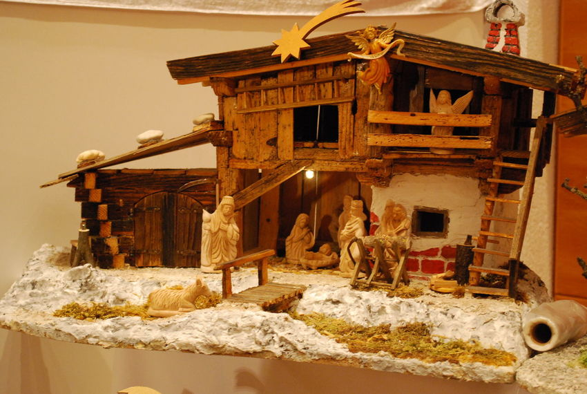 Advent Austrian Kultur Carving In Wood Christmas Decoration Christmastime Cribs KRIPPE Krippen Weihnachtsdeko Weihnachtskrippe Wood - Material